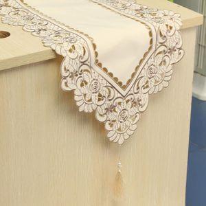 CHEMIN DE TABLE TEMPSA Polyester Chemin De Table Fleurs Rose Brode