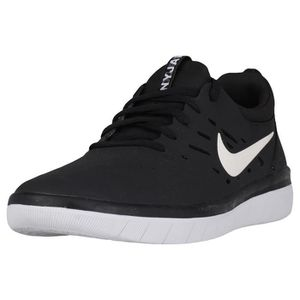 new products 02211 5762d BASKET Nike SB Nyjah Free Homme Baskets Noir Blanc