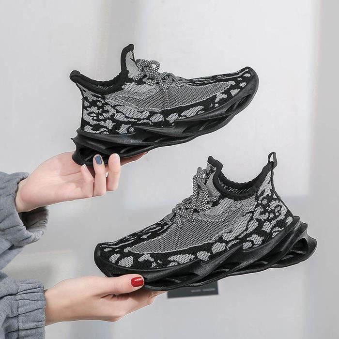 chaussure de securite Femmes Blade Running Sneakers Nouvelles chaussures tissées volantes en maille sauvage légère