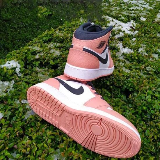 Nike Air Jordan 1 Mid Femme Jordan One Pink Quartz Chaussures de ...