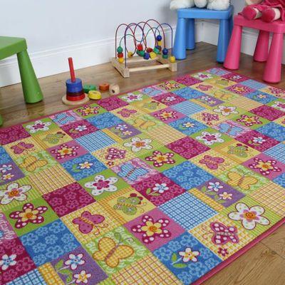 Tapis rose patchwork pour chambre fille Motif papillons 133x200cm