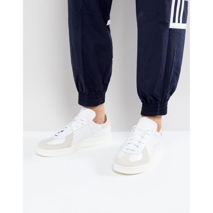 new style 28816 22b1f BASKET Adidas Originals Hommes BW Avenue Formateurs In Wh