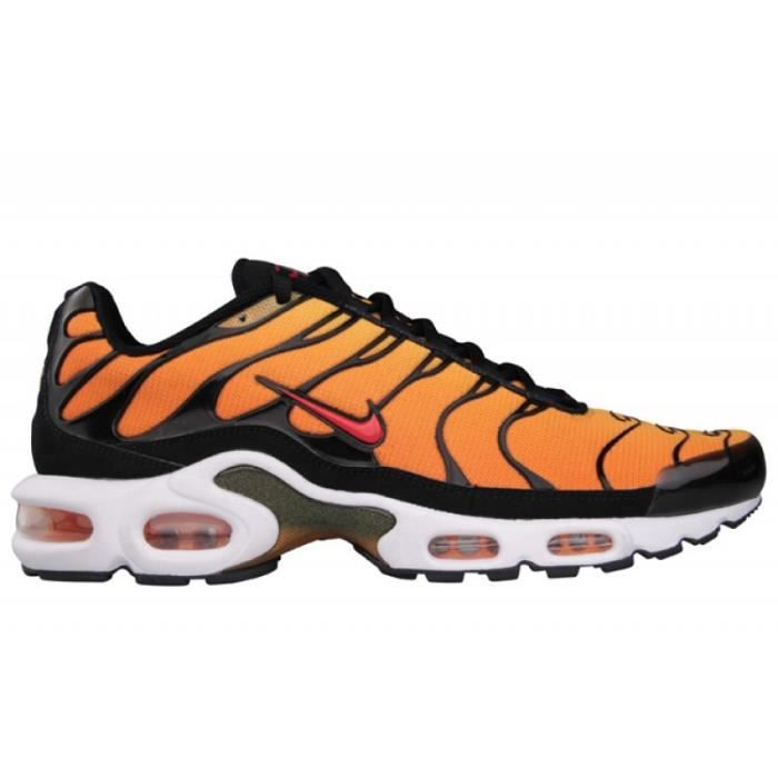 nike requin blanc et orange