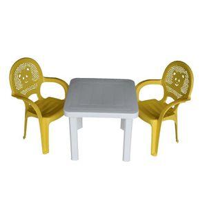 SALON DE JARDIN  Chaises et table en plastique - pour jardin/extéri