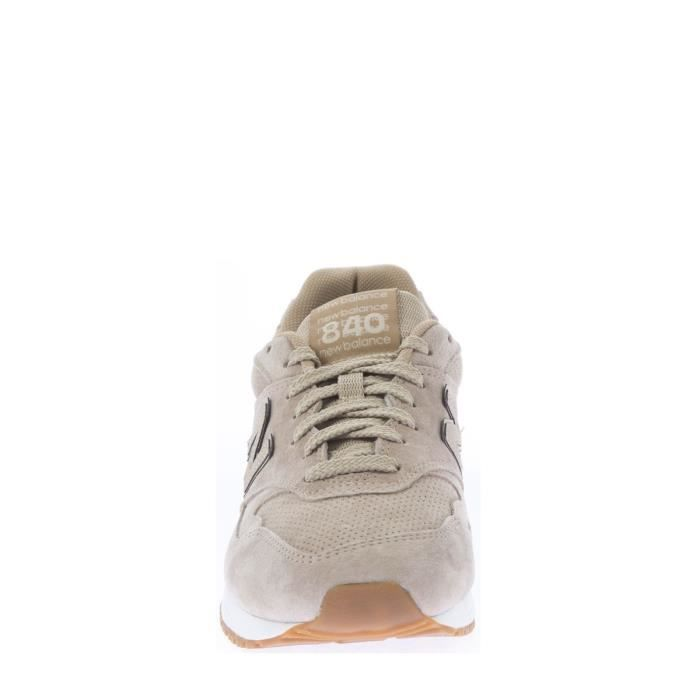 Baskets Hommes NEW BALANCE.