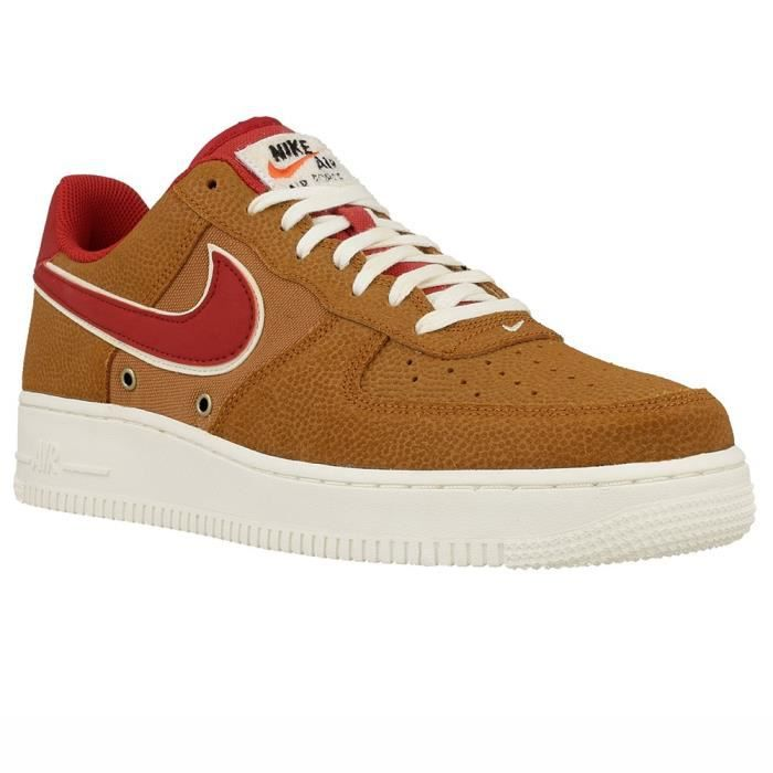 online retailer 62d66 ee4be BASKET Chaussures Nike Air Force 1 07 LV8