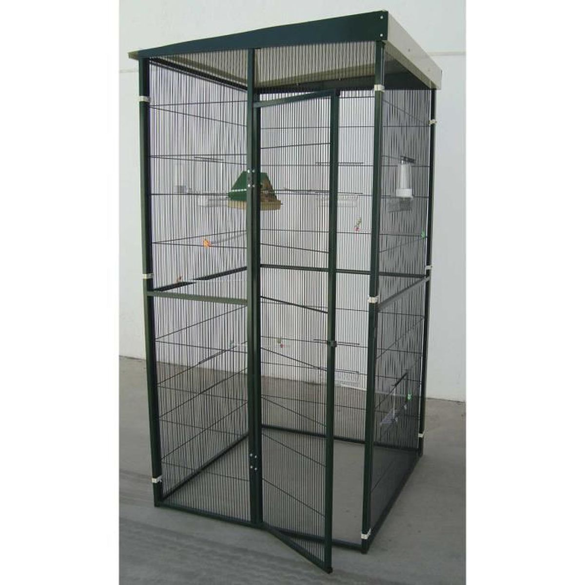voli re de jardin 1m avec porte d 39 entr e vert achat vente voli re cage oiseau voli re de. Black Bedroom Furniture Sets. Home Design Ideas