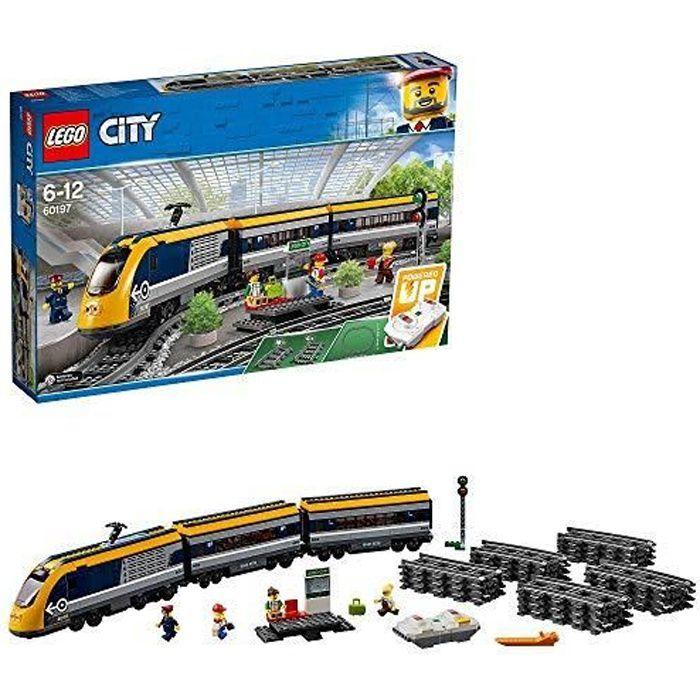 ASSEMBLAGE CONSTRUCTION LEGO City - Le train de passagers télécommandé - 6