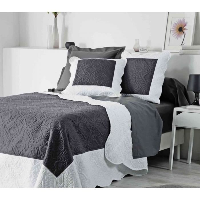 boutis gris et blanc achat vente pas cher. Black Bedroom Furniture Sets. Home Design Ideas