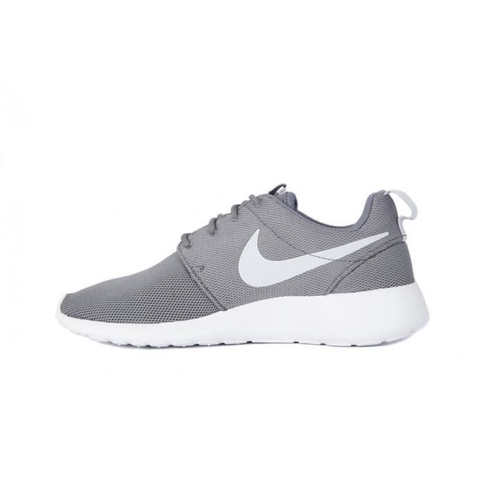 Chaussures Nike Roshe One