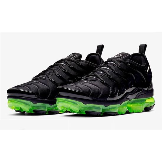 Nike Air VaporMax Plus Noir Vert Chaussures De Course. Noir Vert ...
