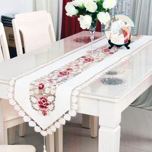 CHEMIN DE TABLE Chemin de table brodé fleurs Style ancien décor ma