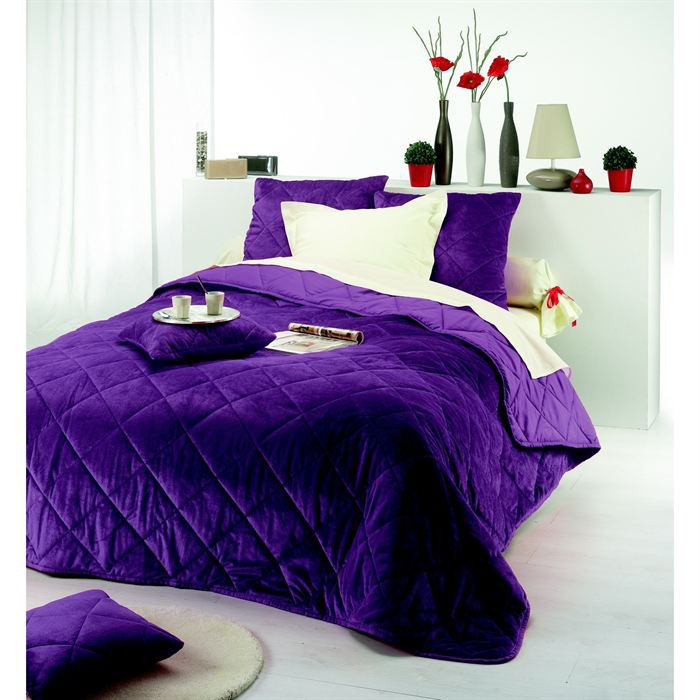 couvre lit violet. Black Bedroom Furniture Sets. Home Design Ideas