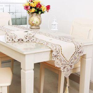 CHEMIN DE TABLE Chemin de table brodé fleur Style ancien décor mar
