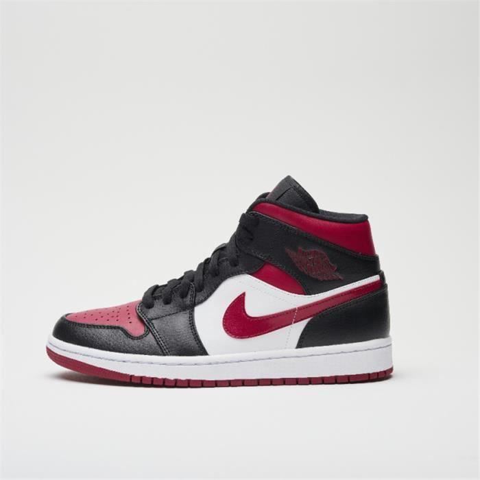 Air jordan blanc rouge et noir