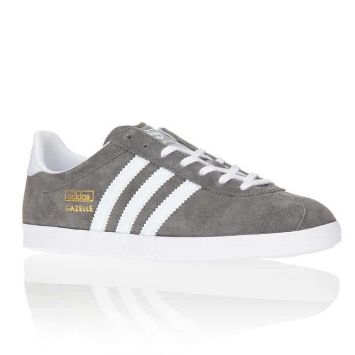 adidas originals baskets gazelle chaussures femme femme gris et blanc achat vente adidas. Black Bedroom Furniture Sets. Home Design Ideas