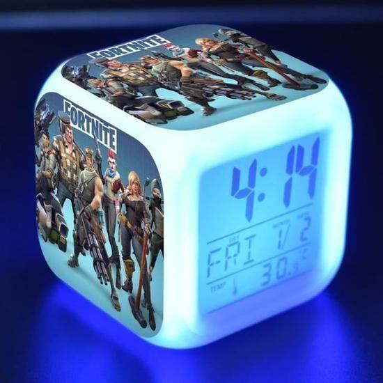 7 Couleurs LED Réveil Fortnite, Réveil numérique avec Fonction Snooze, écran LCD Affiche l'heure, la Date, la température