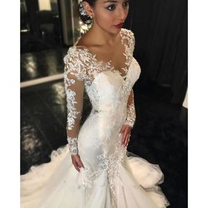 ROBE DE MARIÉE Une épaule robe de mariée à manches longues en den