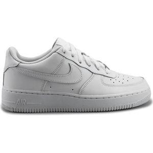 BASKET Basket Nike air force 1 blanche.