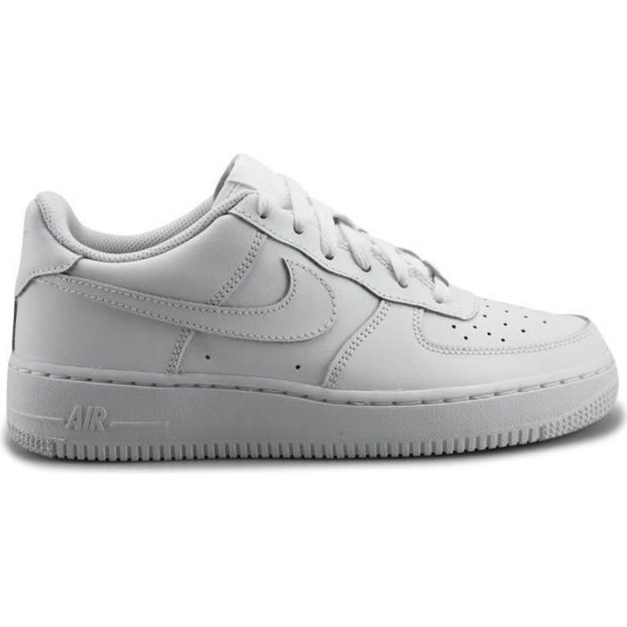 Basket Nike air force 1 blanche.