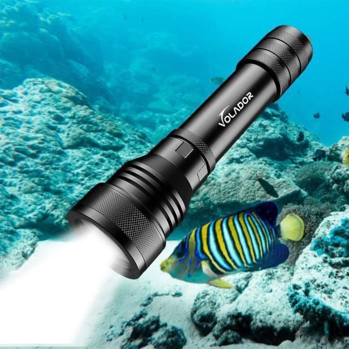 150M /étanche sous leau Phare de Plong/ée avec Interrupteur /à Bouton Lampe de Poche sous-Marine CREE XHP 70 3 Luminosit/é avec 1 * 26650 et Chargeur VOLADOR Lampe de Plong/ée 4000 lumens