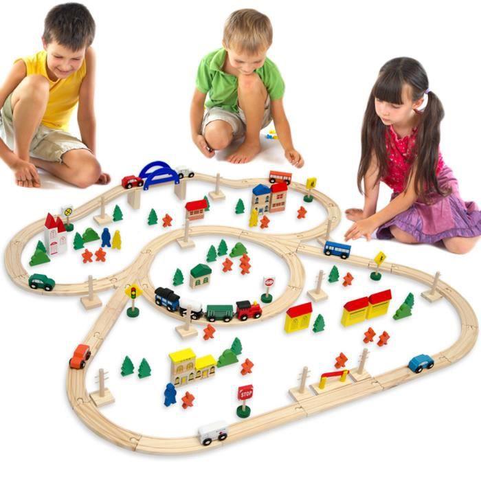 Train en bois 130 Pièces Jouets en bois inclus Accessoires Bois Set de train-Set 5 Mètres Rails de guidage