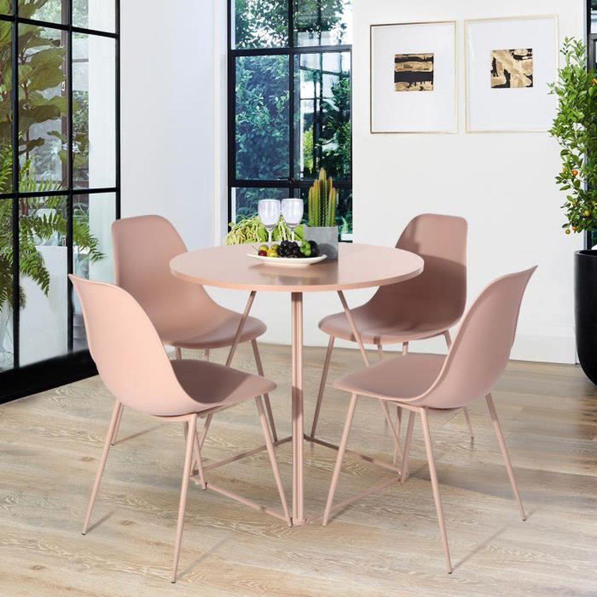 Table ronde et chaise salle a manger