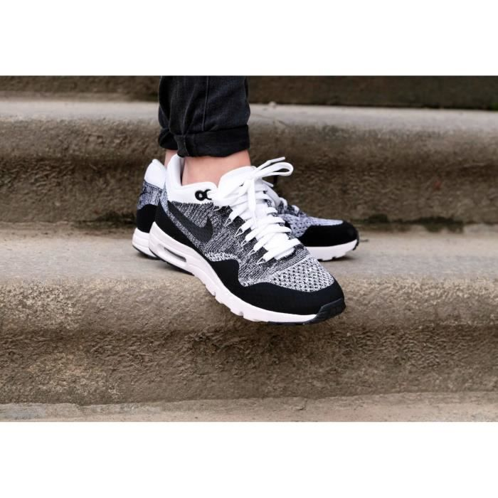 Baskets Nike Air Max 1 Ultra Flyknit 843387-100.