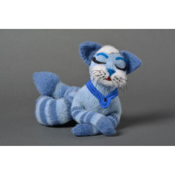 peluche chat bleu jouet tricot fait main en laine achat vente objet d coratif cdiscount. Black Bedroom Furniture Sets. Home Design Ideas