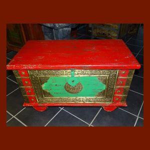 COFFRE - MALLE Coffre à roulettes rouge et vert