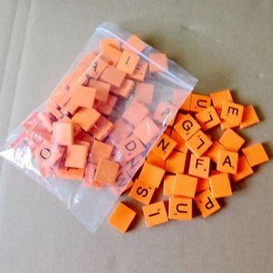 JETON DE JEU 100pcs lettres de l'alphabet en bois Orange