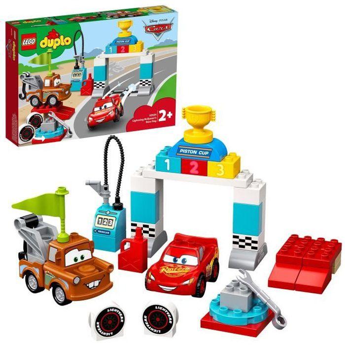 LEGO® 10924 DUPLO Cars Le Jour de Course de Flash McQueen, Disney Pixar avec Voitures, Jouet pour Enfants de 2 ans et Plus