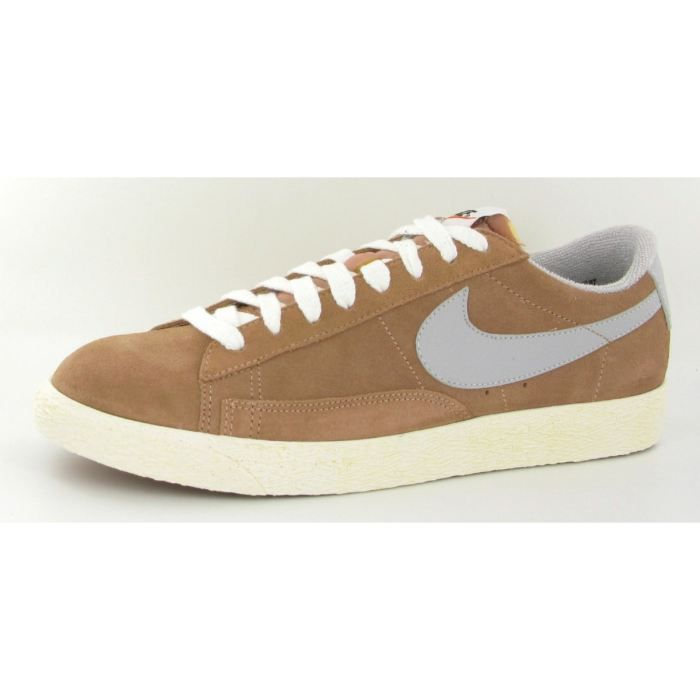 chaussures nike blazer low suede beige beige achat vente basket cdiscount. Black Bedroom Furniture Sets. Home Design Ideas
