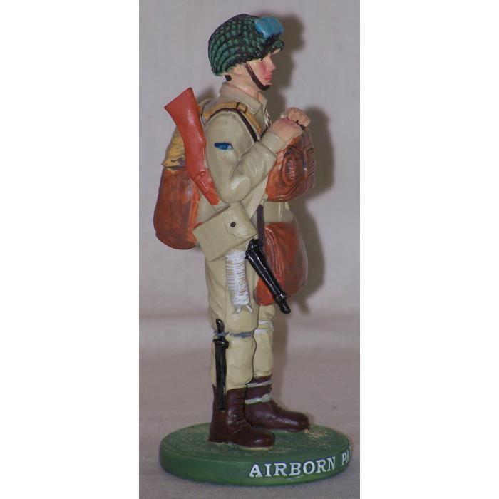 RE0237 1 SUR 4  FIGURINE STATUETTE SOLDAT PARACHUTISTE  AMERICAIN  AIRBORN 1944