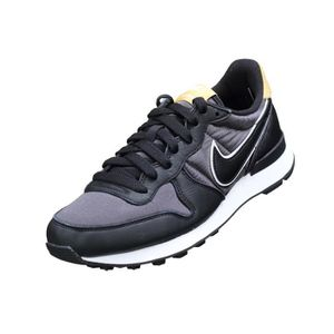 BASKET Basket femme Nike W Internationalist Heat Aq127...