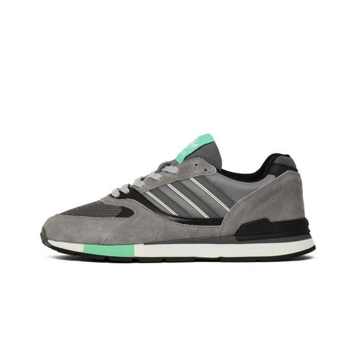 Chaussures Adidas Quesence