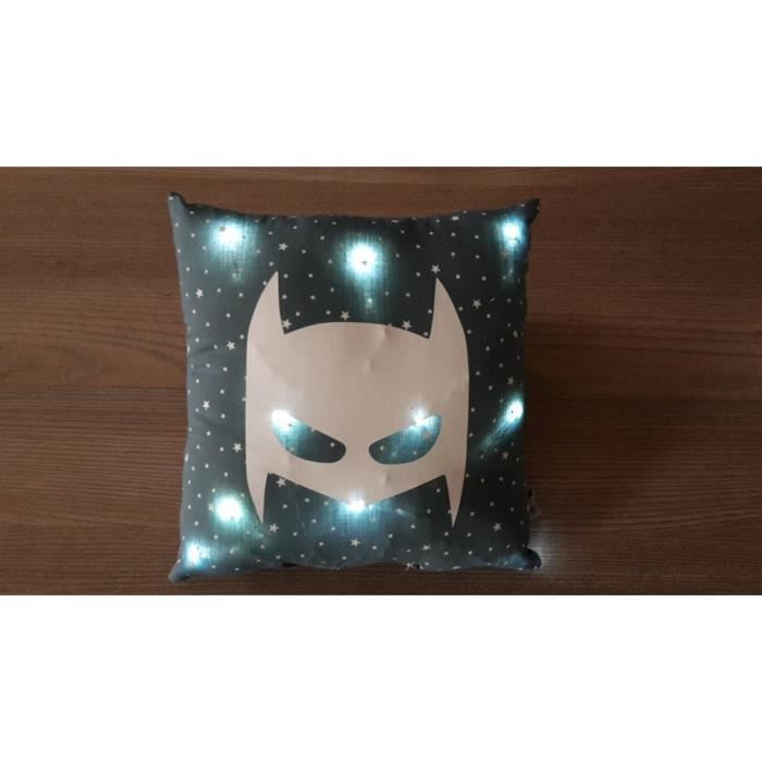 coussin lumineux bleu canard theme batman achat vente veilleuse b b 2009817912979 cdiscount. Black Bedroom Furniture Sets. Home Design Ideas