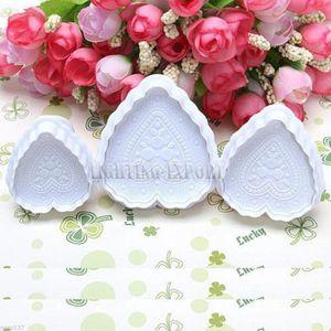 MOULE  3 Moules Gateaux Forme Coeur Emportes Pieces Cake