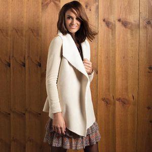 VESTE Veste tricot femme avec revers en agneau et devant