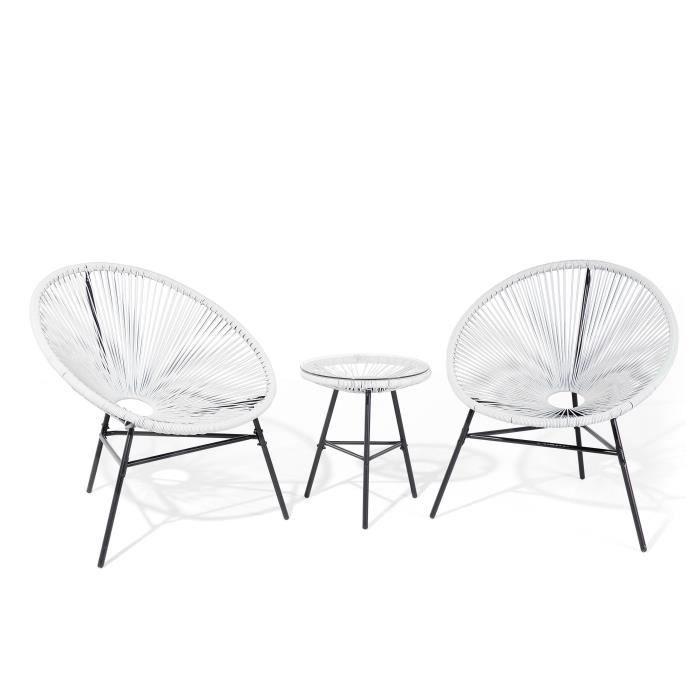 Cet ensemble de jardin de haute qualité comprend une petite table ronde et de deux fauteuils ovales très confortables. Ces sièges...
