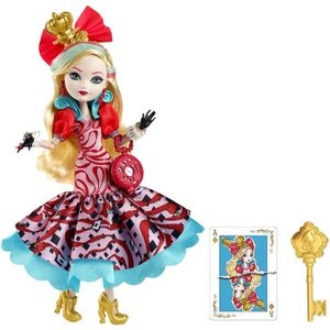POUPÉE EVER AFTER HIGH Wonderland Apple White